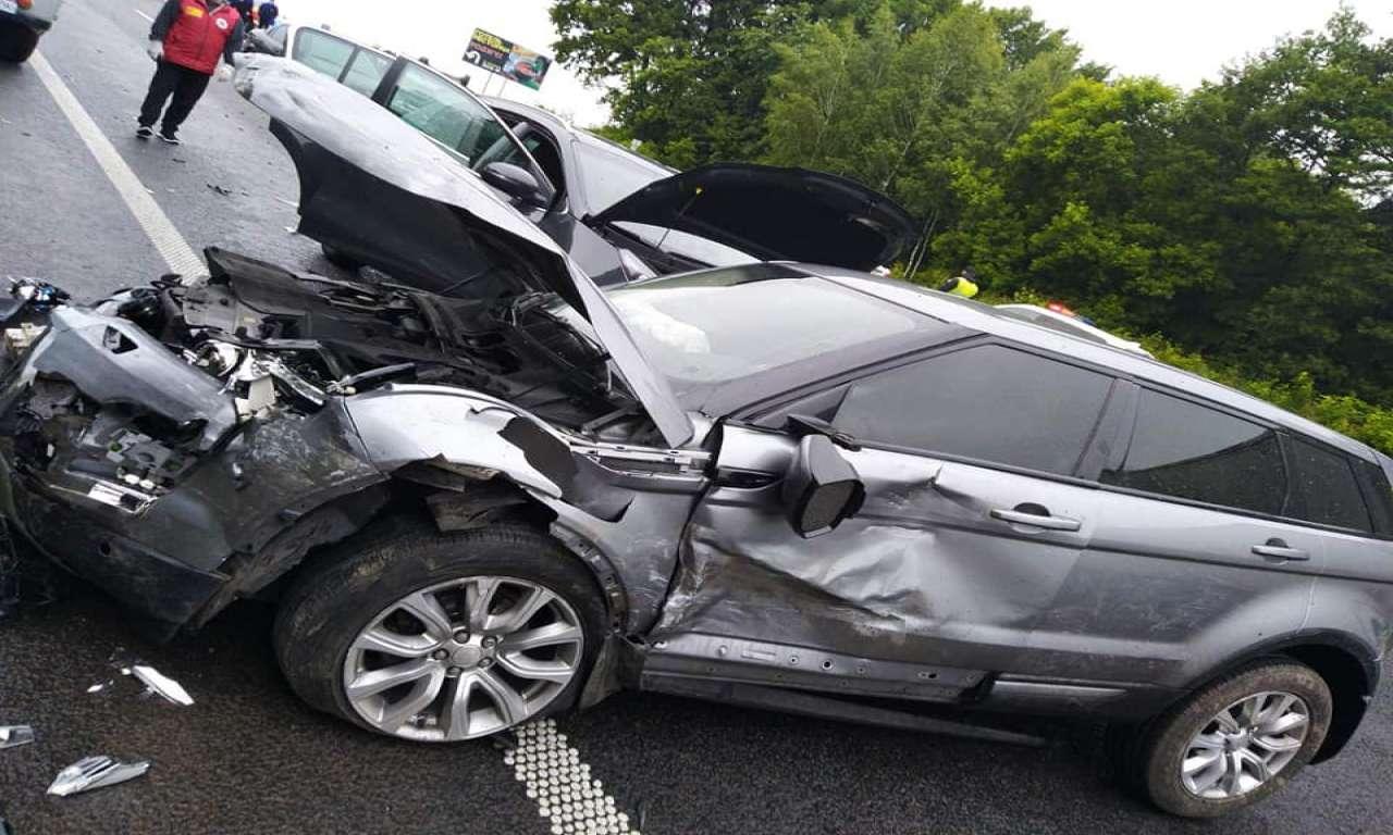 Аварія на трасі Київ-Одеса: зіштовхнулися три автівки (ФОТО)-612