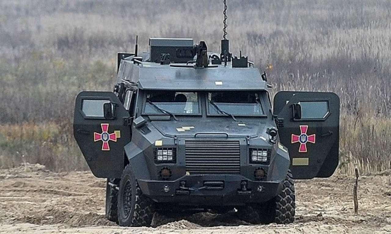 """У Черкасах розпочали серійний випуск бронемашин """"Барс-8″, прийнятих на озброєння ЗСУ"""
