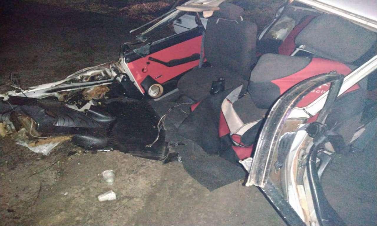 В аварії на Канівщині легковик розірвало навпіл