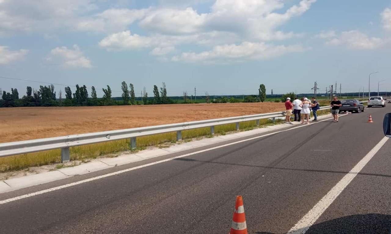 На трасі поблизу Золотоноші насмерть збили велосипедиста (ФОТО)-668