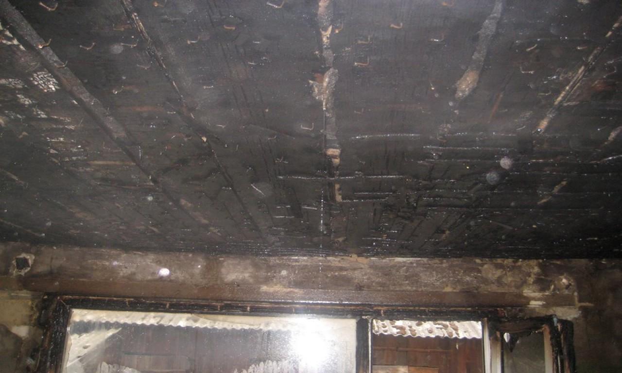 У Яснозір'ї ледь не згорів житловий будинок