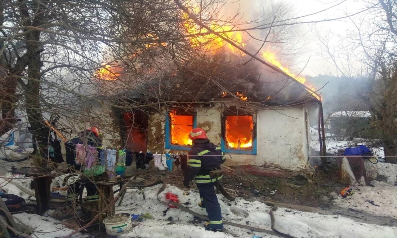 У жахливій пожежі на Канівщині дивом ніхто не постраждав-173