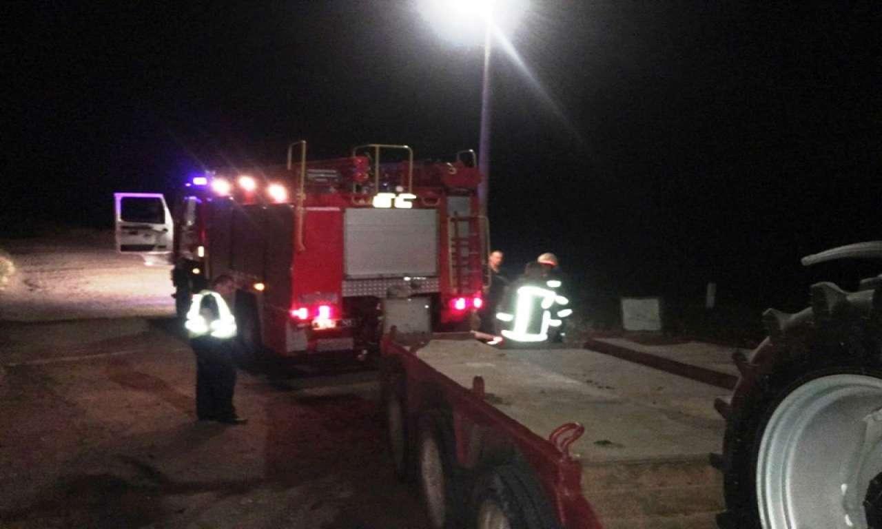 У Кам'янці пасажирський потяг ледь не врізався у вантажівку, яка перевозила важкий трактор