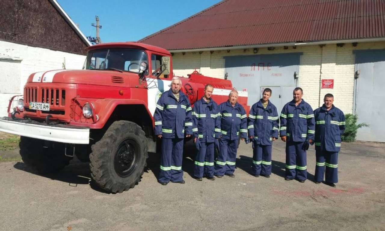 Смілянський лісгосп забезпечив своїх пожежних спеціальними захисними костюмами