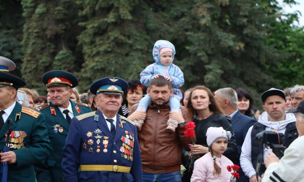 Черкаси відзначили День Перемоги (ФОТО)-335