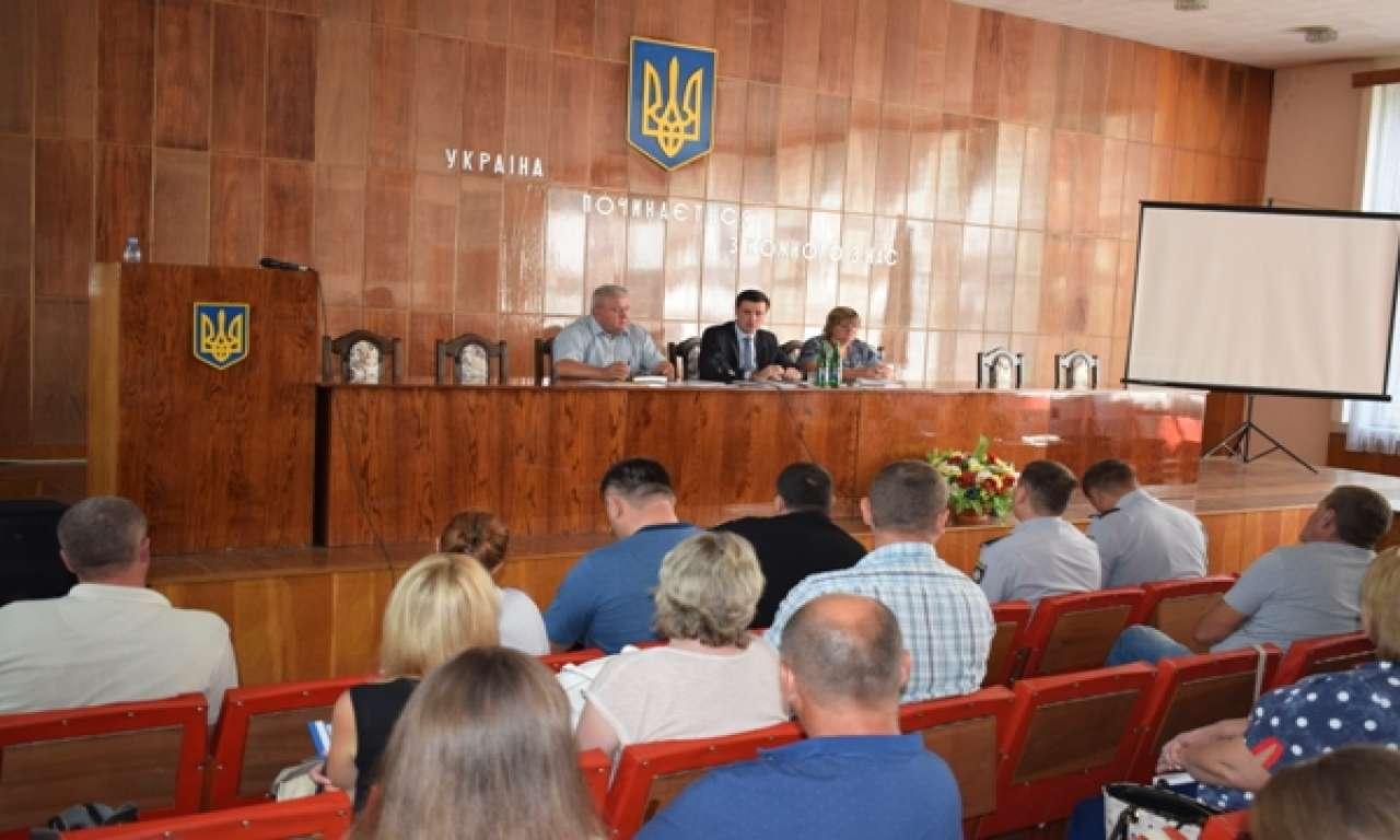 Скотомогильниками на Драбівщині занепокоїлась обласна влада