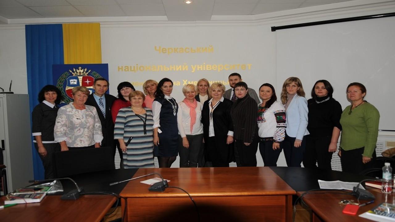 «Мовне обличчя України» обговорювали в ЧНУ
