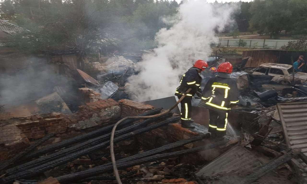Двоє черкащан отримали опіки під час пожеж на вихідних