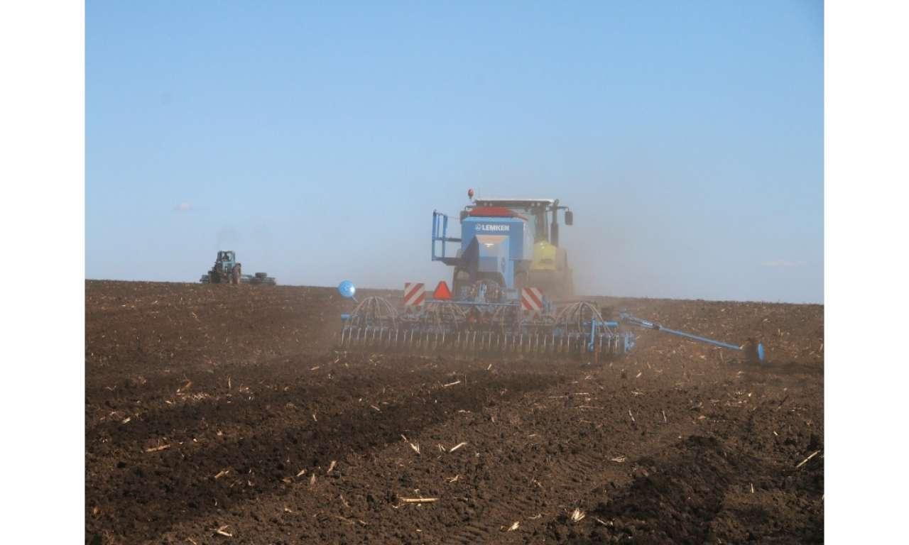 Попри добре зволожений ґрунт черкаським аграріям радять не зволікати з сівбою: дефіцит опадів не перекрито