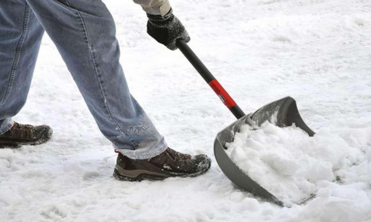 Черкаси чистять від снігу понад 30 одиниць техніки
